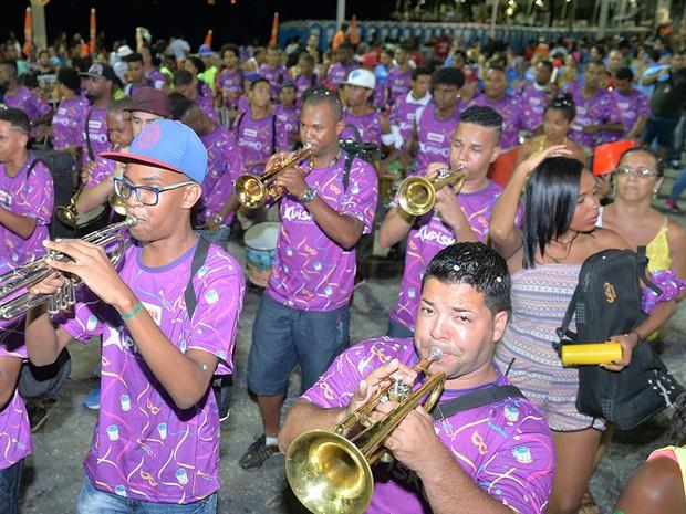 Grupo Xupisko inicia desfile no bairro da Barra, em Salvador (Foto: Max Haack/Ag Haack)