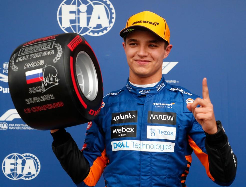 Lando Norris conquistou no GP da Rússia a primeira pole position da McLaren desde 2012 — Foto:  Yuri Kochetkov - Pool/Getty Images