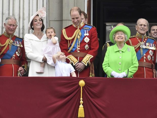 Princesa Charlotte aparece em comemoração dos 90 anos da rainha Elizabeth (Foto: REUTERS/Toby Melville)