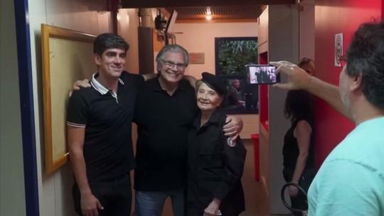Tarcísio Meira acompanha Glória Menezes em gravação do 'Tá No Ar'