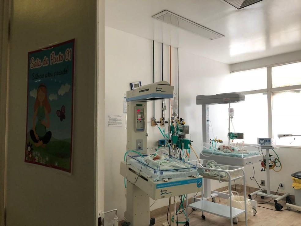 Bebês continuam em centro cirúrgico devido falta de sala  (Foto: G1 PI)