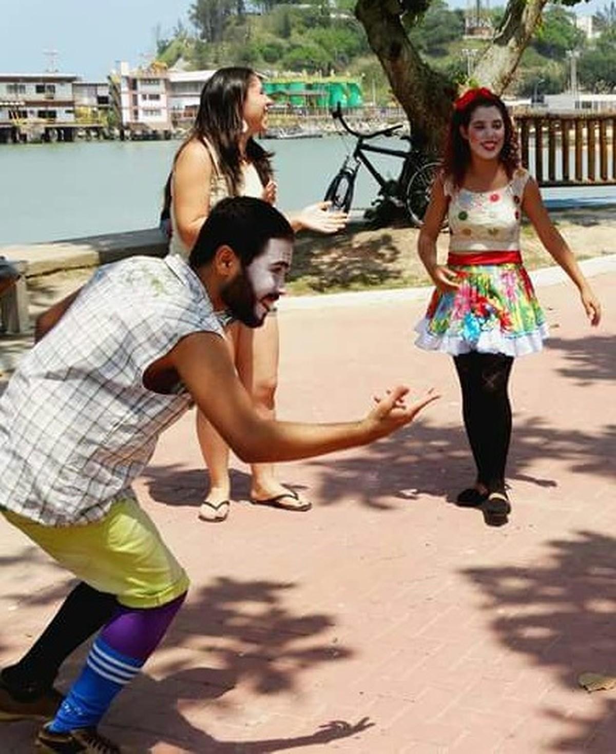 Calçadão de Macaé, RJ, recebe atividades recreativas na semana do Dia das Crianças