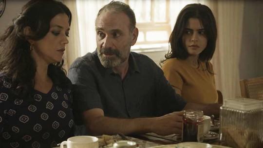 Em 'Órfãos da Terra', Elias decide sair da casa de Rania após barraco de Camila
