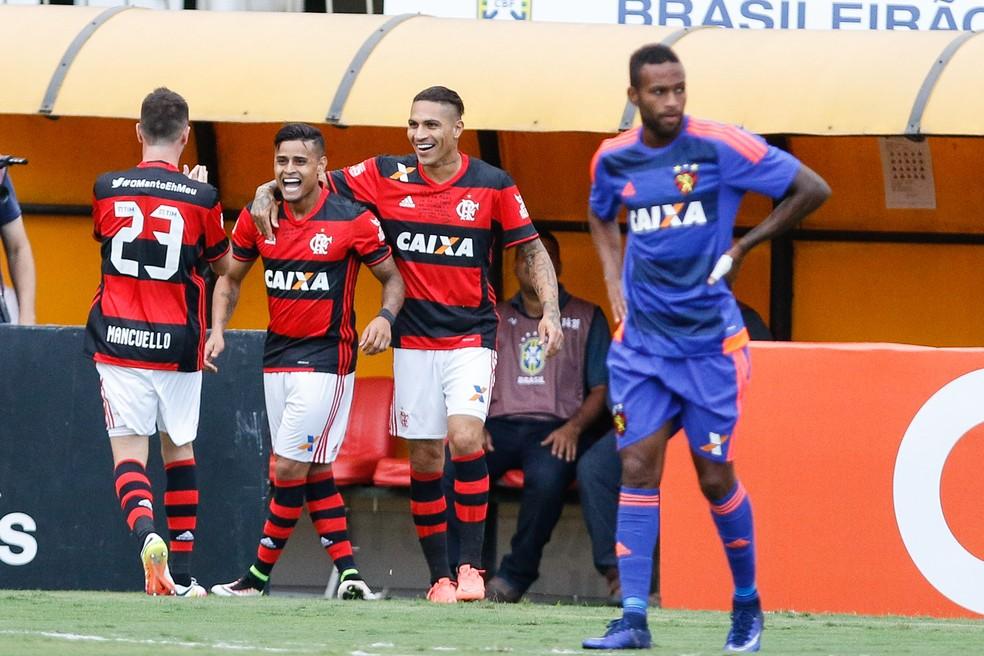 Everton e Guerrero: duas perdas significativas no elenco recentemente  (Foto: RUDY TRINDADE/FRAMEPHOTO/ESTADÃO CONTEÚDO)