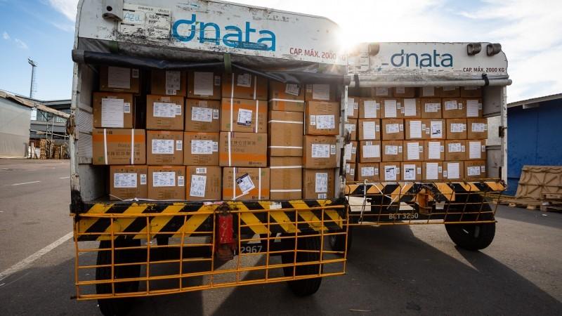 RS recebe lote com 123,8 mil unidades de medicamentos do kit intubação do Ministério da Saúde