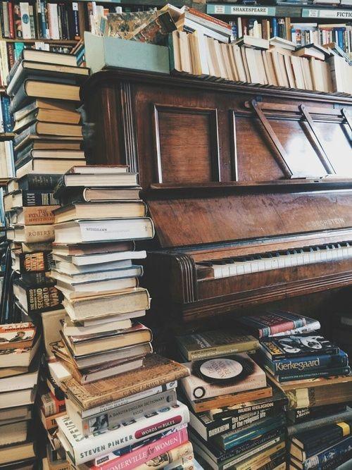Leituras incríveis para o mês de agosto (Foto: Reprodução/Tumblr/justforbooks)