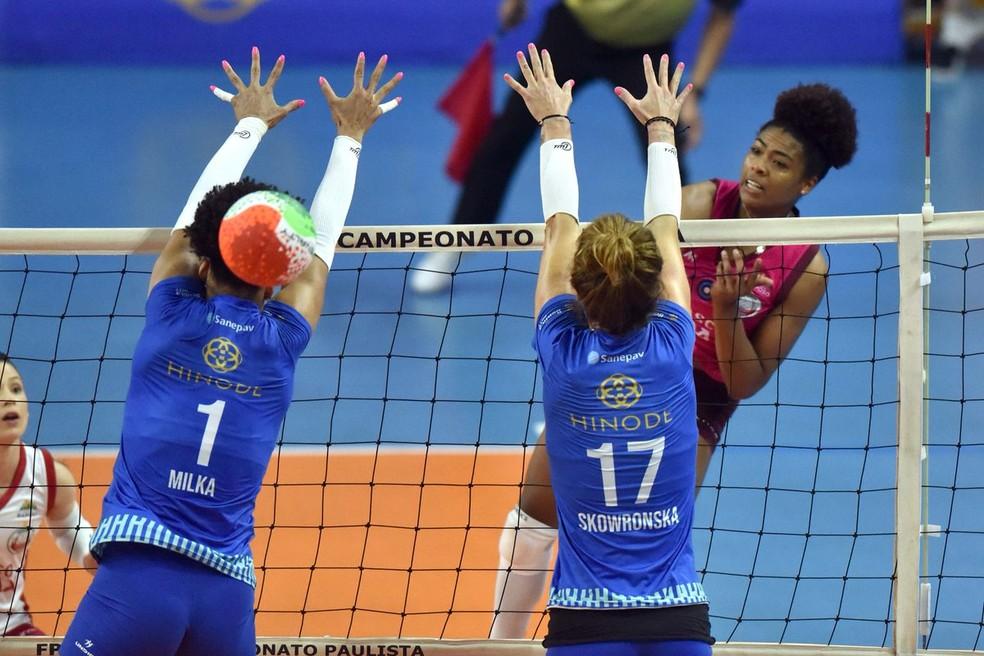 Osasco e Barueri se enfrentam na semifinal do Paulista de vôlei  — Foto: João Pires/Fotojump