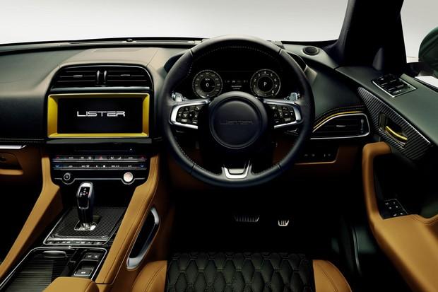 Interior do Lister tem couro por toda a parte e mais detalhes em fibra de carbono (Foto: Divulgação)