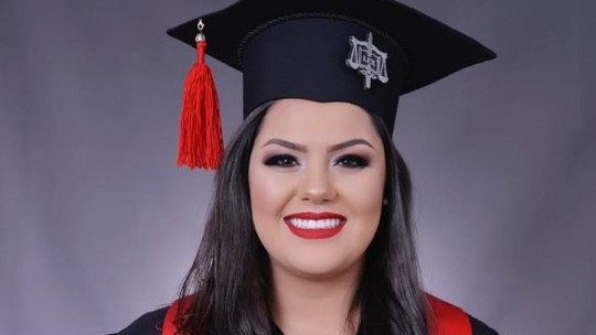 Paula Araujo, do 'The Voice Brasil', conta como uniu faculdade de direito com paixão pela música: 'Meu TCC foi sobre MPB'