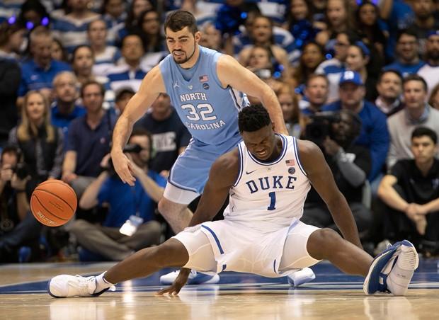 A lesão de Zion Williamson (Foto: Getty Images)