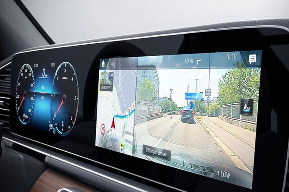 Mercedes GLE 400 d tem câmeras por toda a parte, até frontal (Foto: Divulgação) — Foto: Auto Esporte