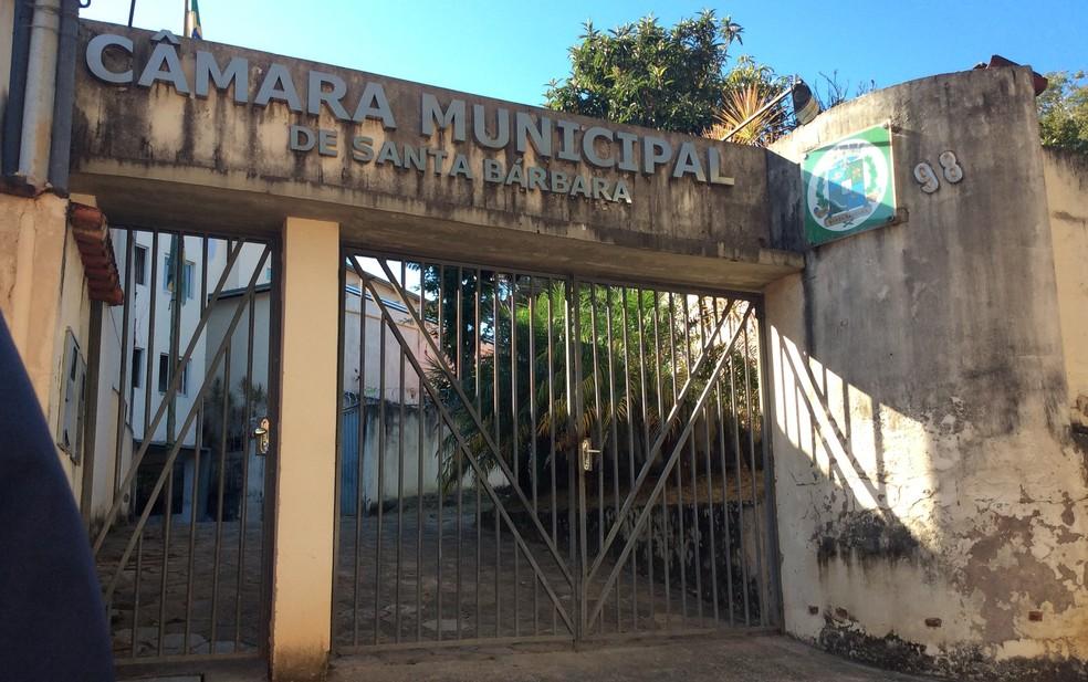 Fachada da Câmara Municipal de Santa Bárbara, na Região Central de Minas Gerais (Foto: Danilo Girundi/TV Globo)