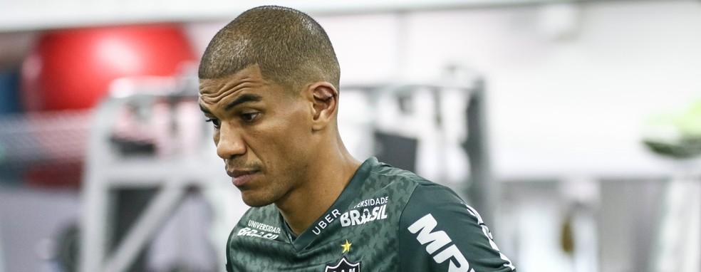 Leonardo Silva está suspenso e não vai ao Barradão (Foto: Bruno Cantini/ Atlético-MG)