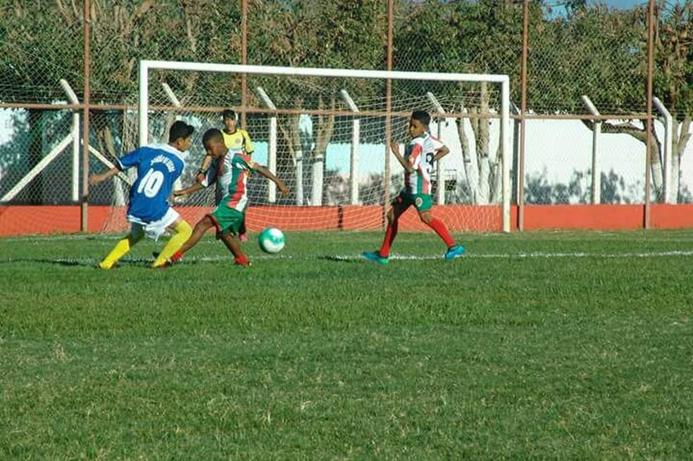 Categorias de base disputam a Copa de Futebol de Itacarambi (Foto: Divulgação)