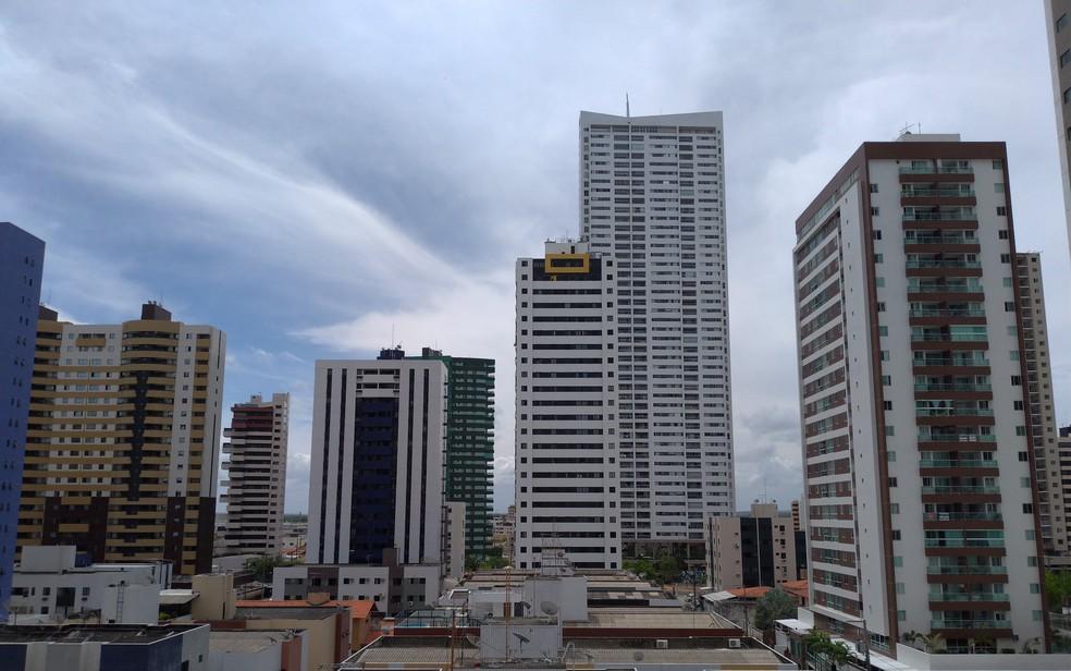 Construção civil tem horário alterado em novo decreto — Foto: Krys Carneiro/G1