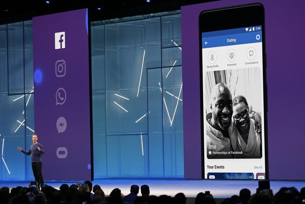 72cbecb36f2 ... Mark Zuckerberg apresenta serviço de paquera dentro do Facebook — Foto:  Stephen Lam/Reuters