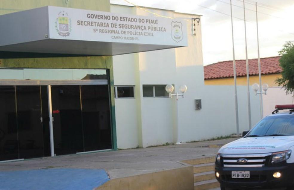 Investigado prestou depoimento na Delegacia Regional de Campo Maior — Foto: Patrícia Andrade/G1