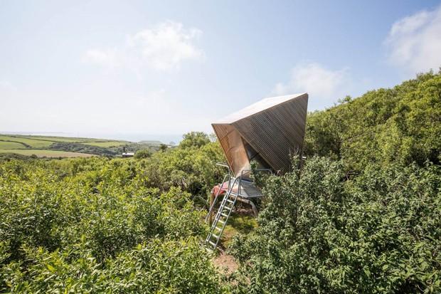 Cabanas de formato curioso são instaladas em antiga pedreira na Inglaterra