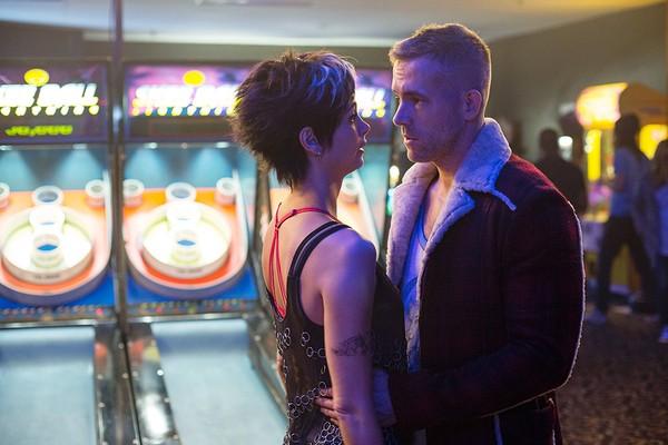 Morena Baccarin e Ryan Reynolds em 'Deadpool' (Foto: Divulgação)