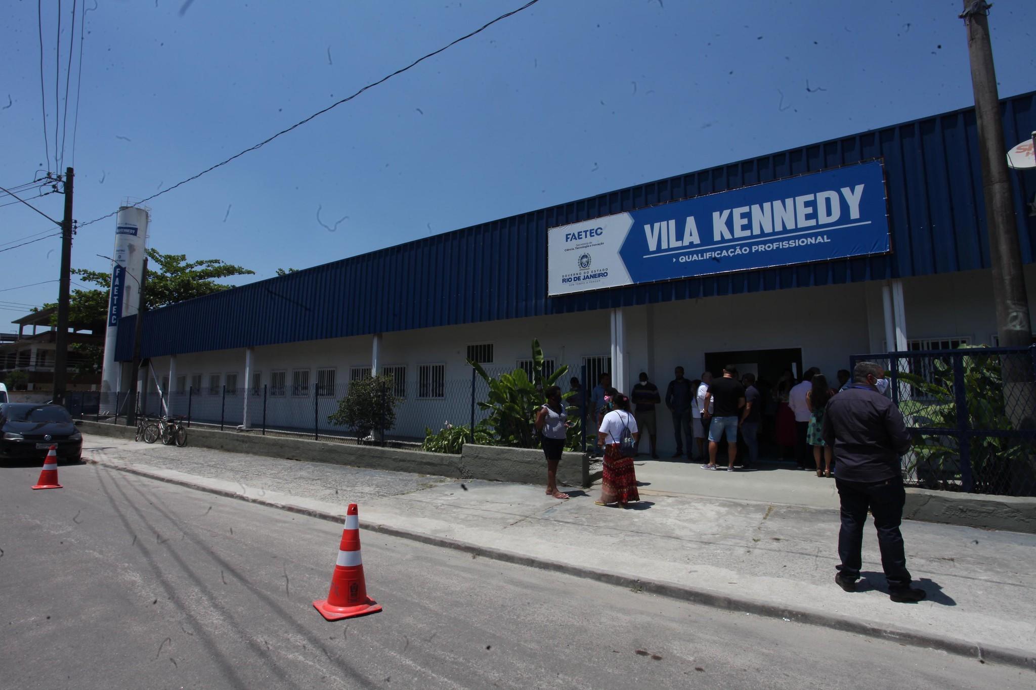 Faetec reinaugura unidade na Vila Kennedy, Rio, que abriu há 7 anos, mas nunca chegou a ter aulas