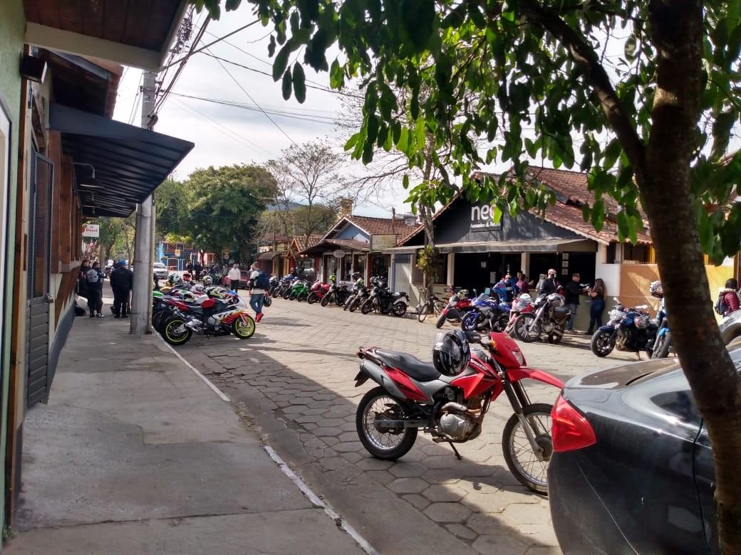 Moradores de São Francisco Xavier reclamam de aglomeração em encontro de motociclistas