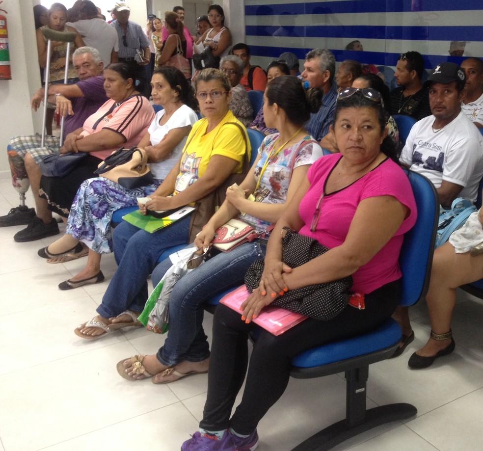 Medida visa evitar que idosos, grávidas e pessoas com deficiência fiquem muito tempo em filas — Foto: Hosana Morais/G1/Arquivo