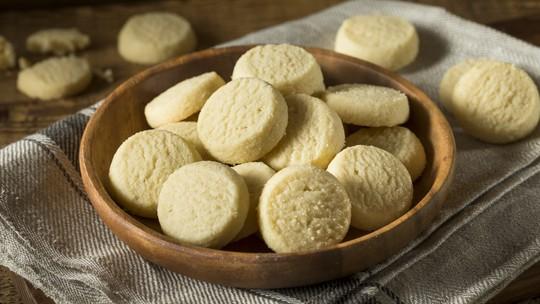 Veja como fazer biscoitos amanteigados com apenas 3 ingredientes