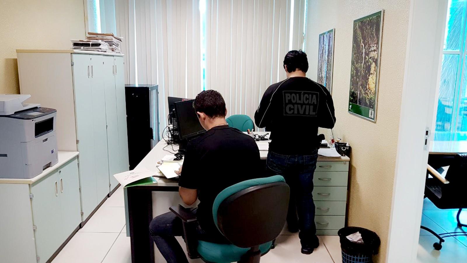 Servidores da Semace são presos por suspeita de corrupção no Ceará; superintendente é afastado