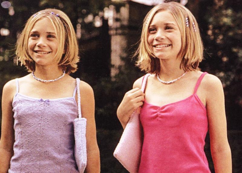 Mary-Kate e Ashley Olsen em Passaporte para Paris, de 1999 (Foto: Divulgação)