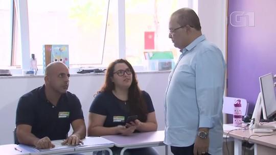 Candidatos ao governo do Distrito Federal votam no segundo turno das eleições