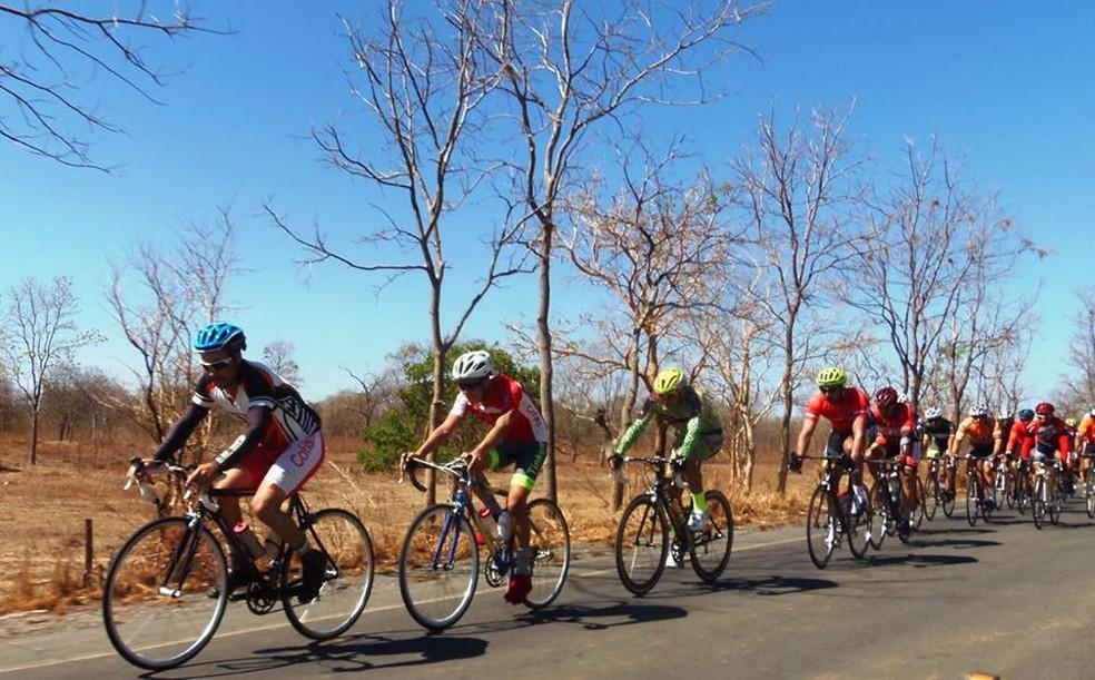 Cerca de 50 atletas devem participar da disputa (Foto: ACVC Januária/ Divulgação)