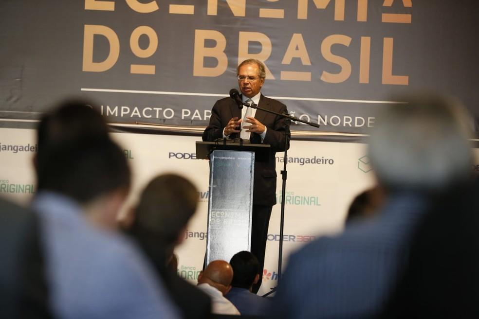 Paulo Guedes em palestra realizada em Fortaleza — Foto: Kid Junior/ SVM
