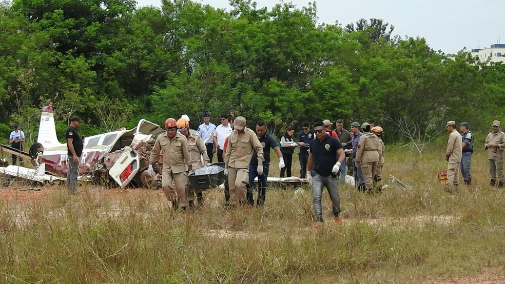 Três pessoas morreram no acidente áereo em Manaus (Foto: Adneison Severiano/G1 AM)
