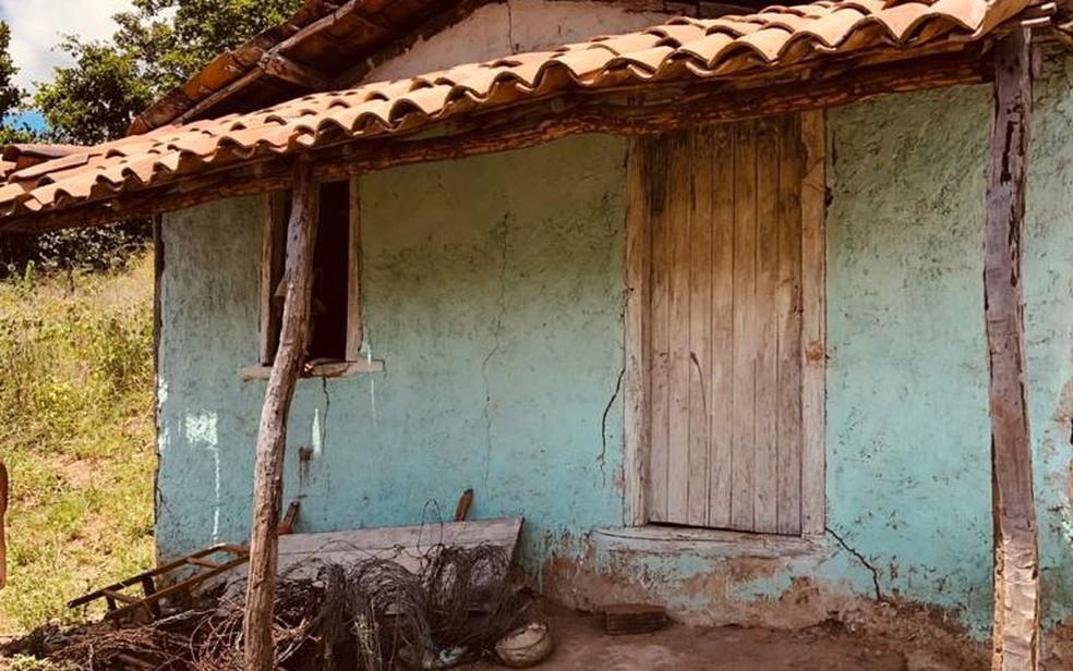 Idosa era mantida em cárcere privado, em imóvel de Ipirá — Foto: Divulgação/SSP
