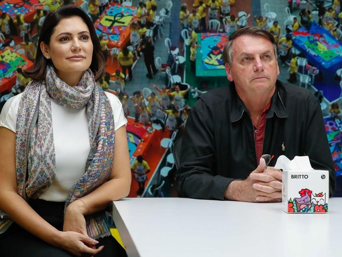 Primeira-dama Michelle Bolsonaro diz que testou positivo para covid-19 – Valor Econômico