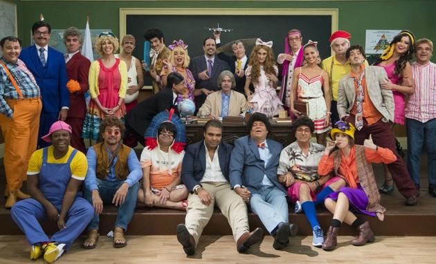Elenco da última 'Escolinha do Professor Raimundo' (Foto: Globo)