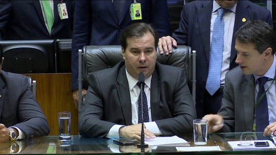 Maia determina envio da PEC da Previdência para a CCJ da Câmara