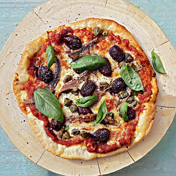 Pizza crocante de mozarela e anchova (Foto: StockFood / Gallo Images Pty Ltd.)