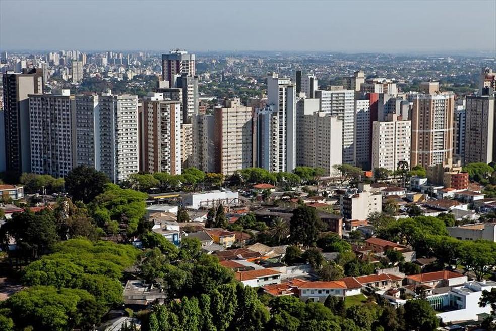Alteração da Lei de Zoneamento tramita há mais de um ano na Câmara de Curitiba — Foto: Brunno Covello/SMCS