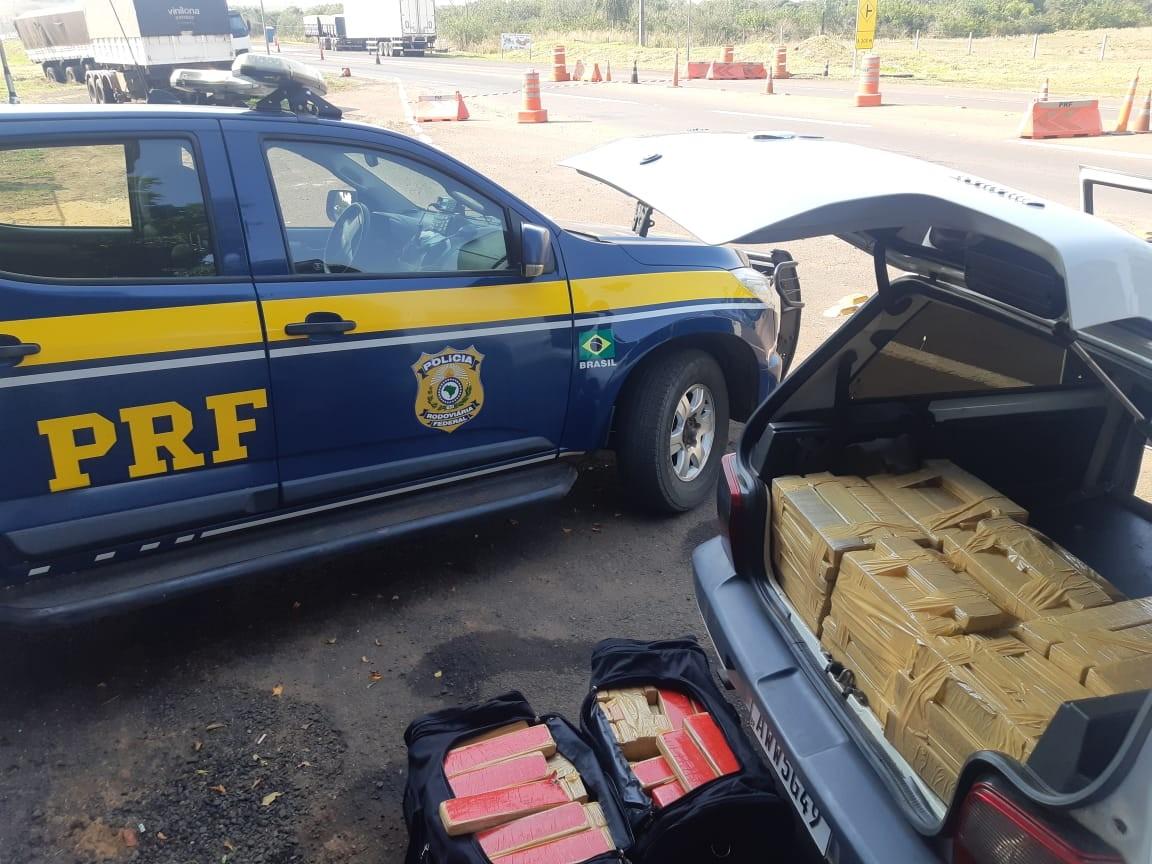 Motorista é preso com de 344 kg de maconha em carro na BR-487, em Alto Paraíso