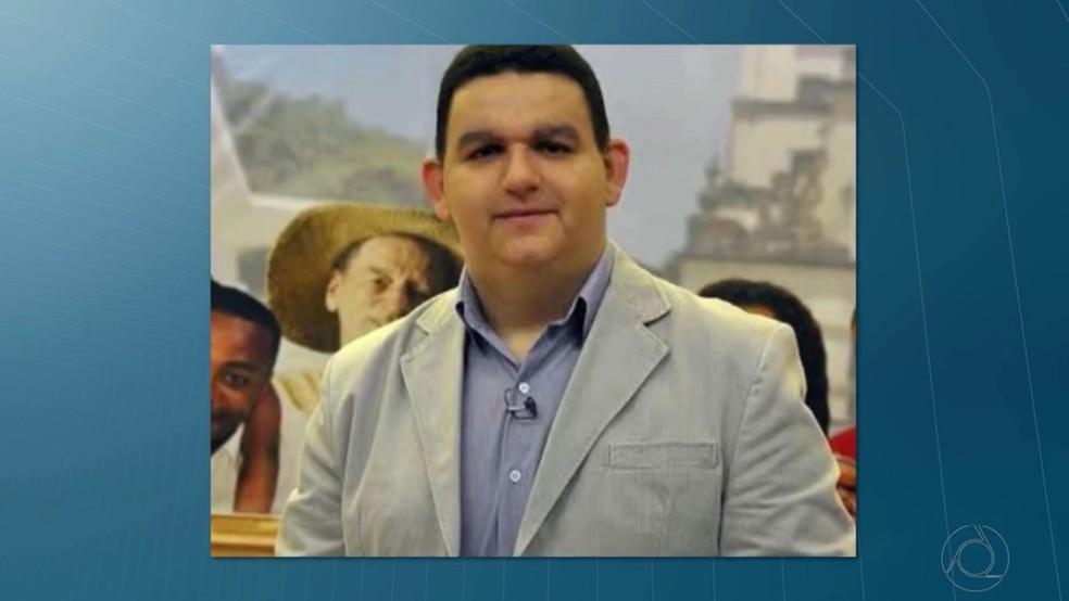 Radialista Fabiano Gomes tinha sido preso após a operação Xeque-Mate, que investigou compra de mandato do então prefeito de Cabedelo, Paraíba — Foto: TV Cabo Branco/Reprodução/Arquivo