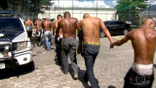 Presos em operação contra milícia começam a deixar prisão no RJ