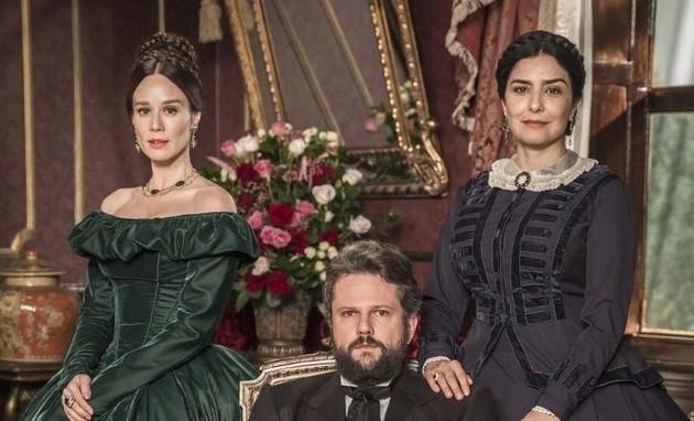 Mariana Ximenes, Selton Mello e Leticia Sabatella, protagonistas de 'Nos tempos do imperador' (Foto: João Miguel Jr./Globo)