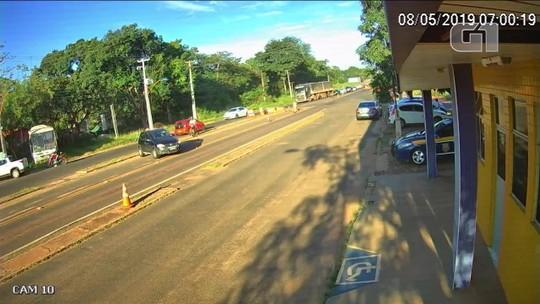 Polícia localiza segundo carro roubado durante fuga de suspeito de assaltos a bancos