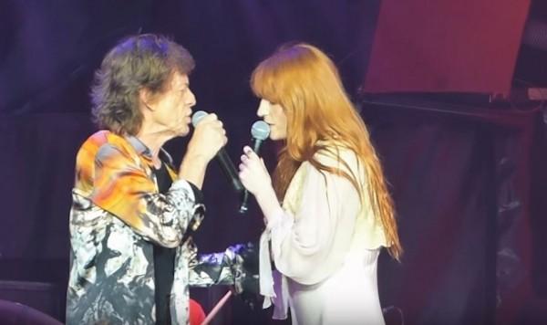 Mick Jagger e Florence Welch no show dos Rolling Stones (Foto: Reprodução)