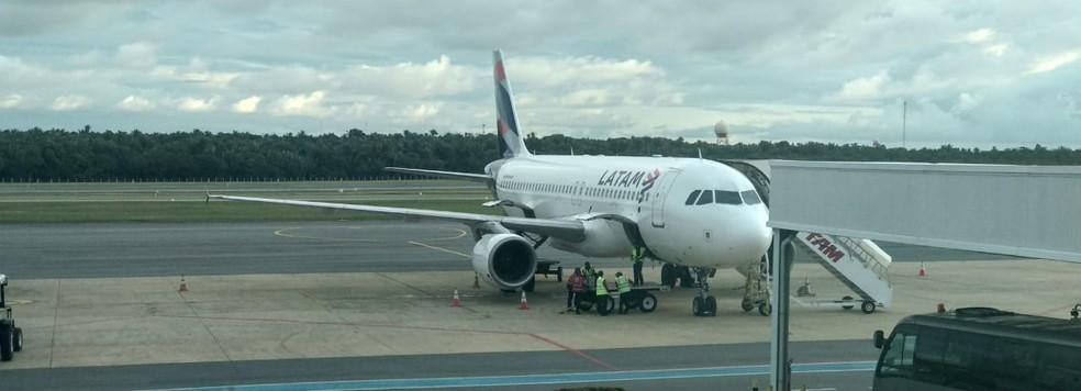 Avião da Latam no Aeroporto Marechal Hugo da Cunha Machado, em São Luís (MA) — Foto: Divulgação