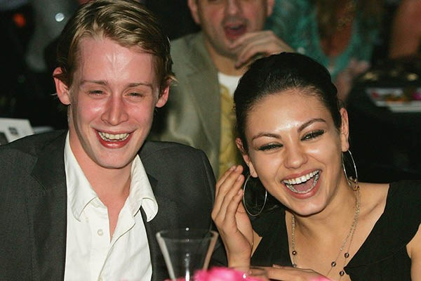 Macaulay Culkin e Mila Kunis (Foto: Getty Images)