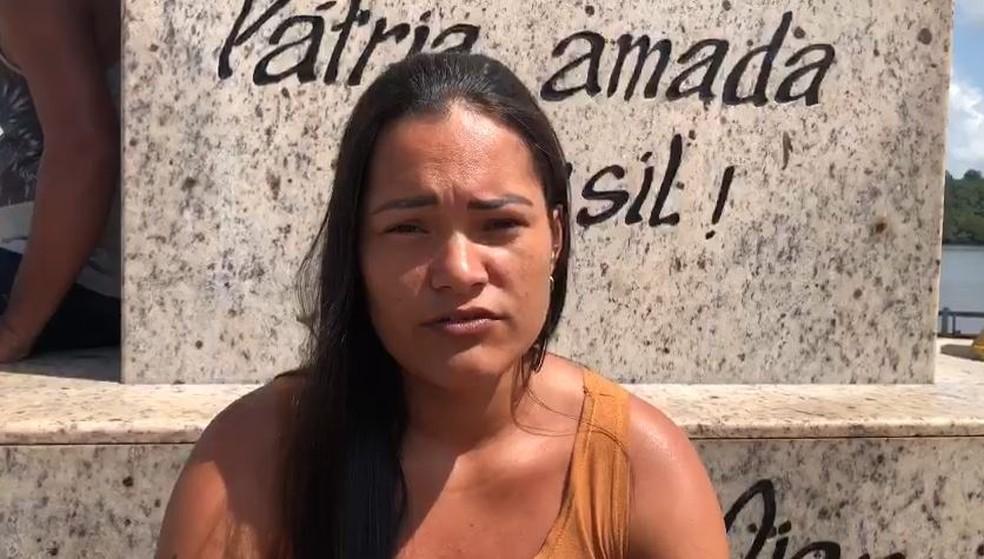 Janeide silva Correia, irmã de uma desaparecida no naufrágio — Foto: Reprodução