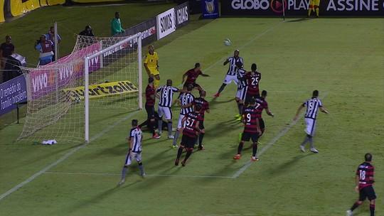 Artilheiro improvável: com poucas opções, Bota acha em Bruno Silva seu homem-gol