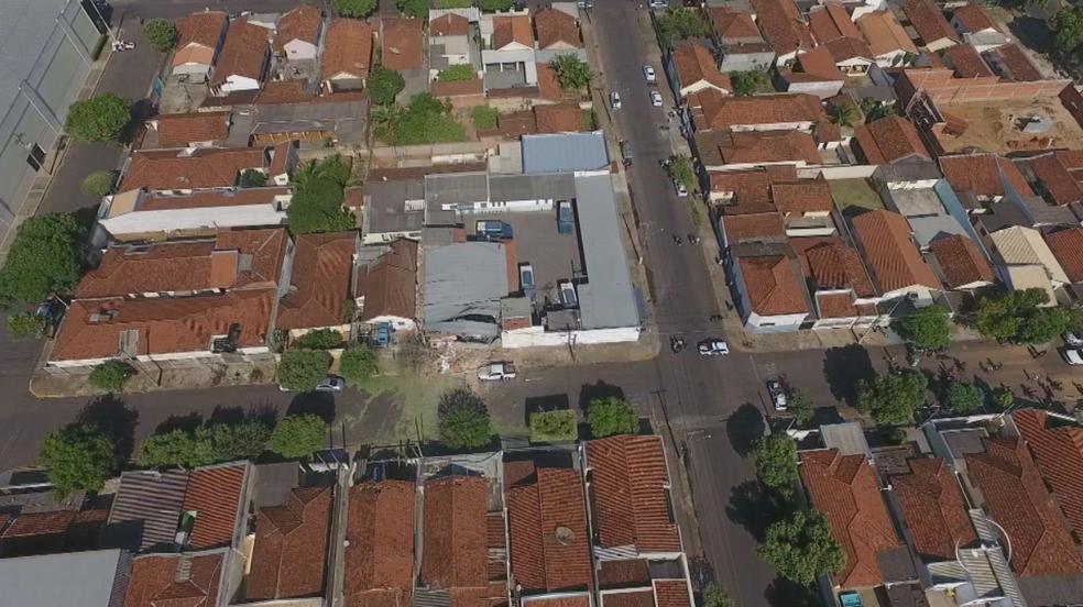 Empresa de valores de Araçatuba ficou destruída (Foto: Reprodução/TV TEM)